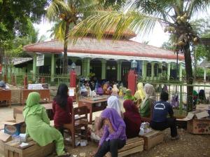 Gb.Jama'ah pengajian di luar masjid