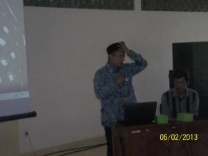 Ustazd Fathurahman Kamal menyampaikan materi