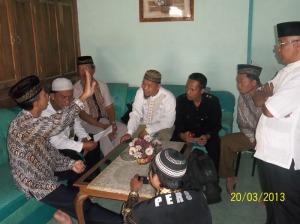 Ustazd WR LASIMAN beramah tamah dengan tokoh masyarakat kecamatan Purwosari