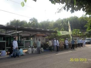 Jama'ah yang baru berdatangan dari berbagai penjuru di Purwosari