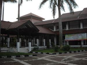 Gb. Ruang Pertemuan dan asrama