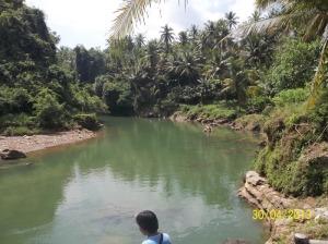 Gb. Sungai yang dilewati perau menuju air terjun Sri Gethuk