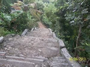 Gb.Jalan menurun menuju pantai Wediombo