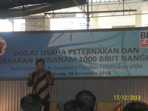 Prof. Dr. Ali Agus  Memberikan sambutan