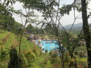 Gb.Pemandangan di sekitar kolam renang