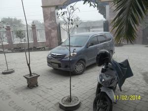 Gb. Hujan Abu Gunung Kelud