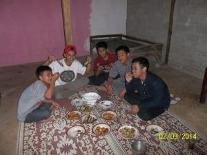 Gb. Makan bersama setelah belajar