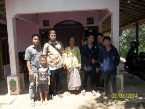 Gb. foto bersama orang tua