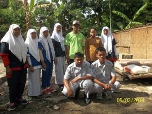 Gb. Pengurus  IPM SMK Muhammadiyah bersama bu Sutini