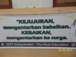 Gb. Slogan budaya jujur