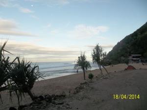 Gb. Pantai dilihat dari sebelah timur