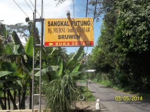 Gb. Papan Petunjuk Lokasi Penyembuhan alternatif Sangkal Putung